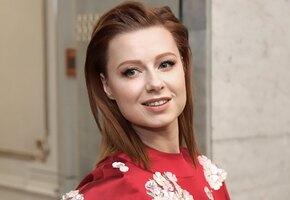«Не виделась с ними год»: Юлия Савичева показала родителей