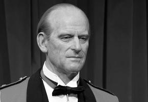 Скончался 99-летний принц Филипп, муж Елизаветы II
