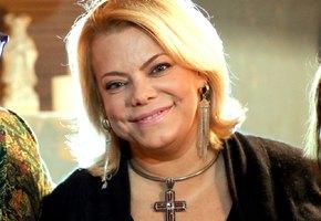 «Действуйте через посредников»: Яна Поплавская рассказала об общении с бывшими супругами после развода