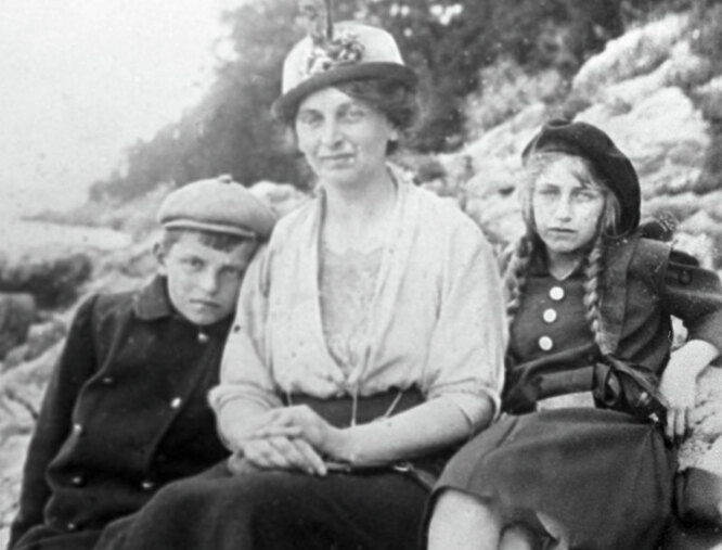 Инесса Арманд с семьей