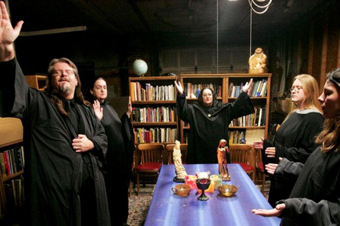 От ведьминого дела доохоты намужей: 10 самых необычных школ мира