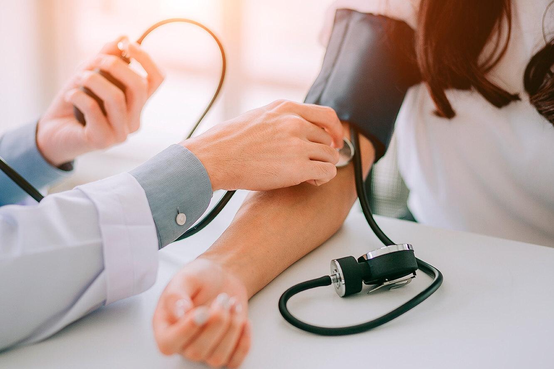 Как похудеть при высоком давлении: упражнения при гипертонии