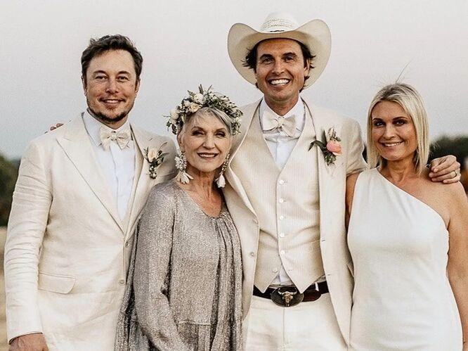 Мэй Маск с детьми Илоном, Кимбалом и Тоской