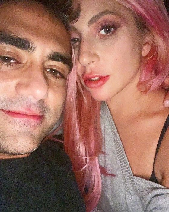 Леди Гага свозлюбленным