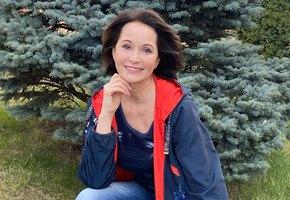 «Хороший какой октябрёнок»: Ольга Кабо показала детские фото