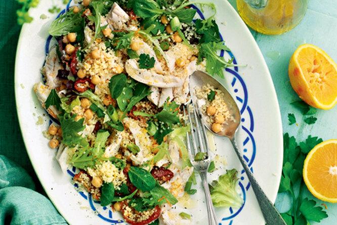 Салат из курицы с нутом