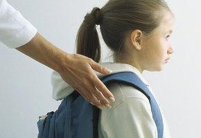 В алтайском селе дети два месяца не учатся: последняя учительница уехала за границу