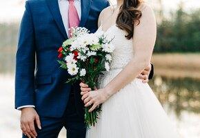 «Несите нам наличные!» Невеста разгневала гостей требованием денег