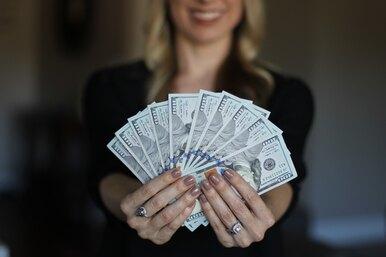 Владельцы магазина вернули женщине миллион долларов, окотором она незнала