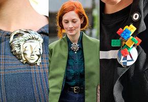 Как носить броши: 25 стильных и современных образов