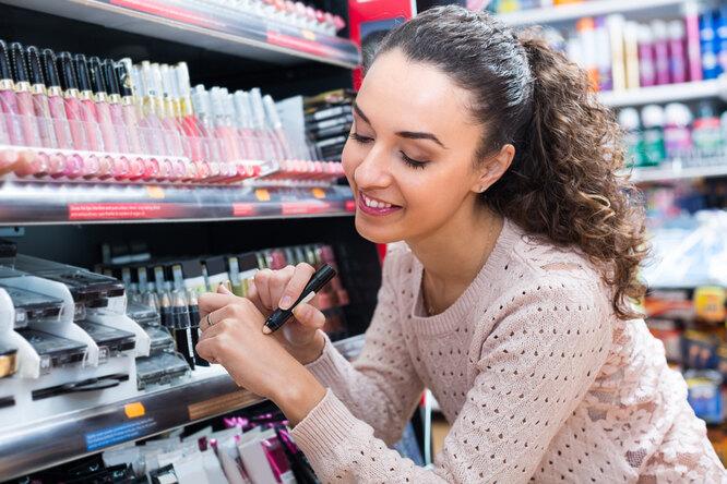 Зачем платить больше: 6 отличных средств макияжа дешевле 500 рублей