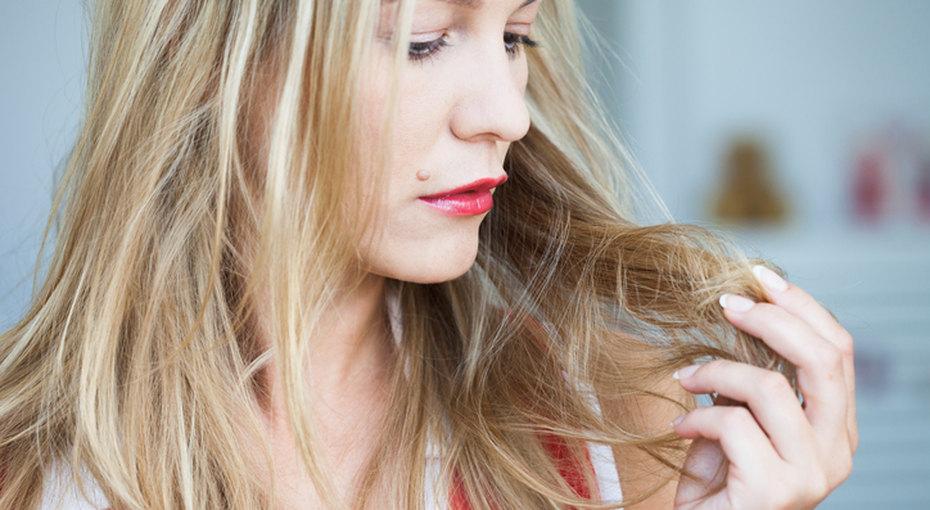 Почему выпадают волосы икак это прекратить: советы врача