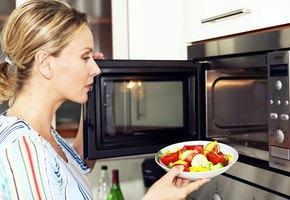 Не делайте так! 10 главных ошибок при использовании микроволновки