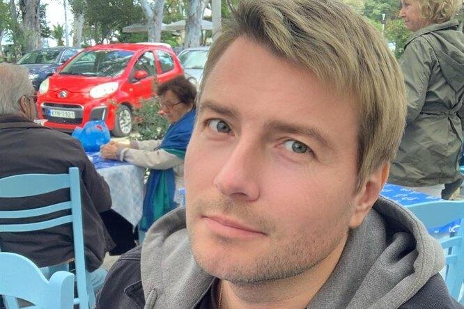 «Великий, обеспеченный иобаятельный»: скем позирует Николай Басков наотдыхе?