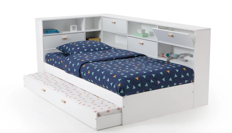 Кровать с ящиком и местом для вещей,