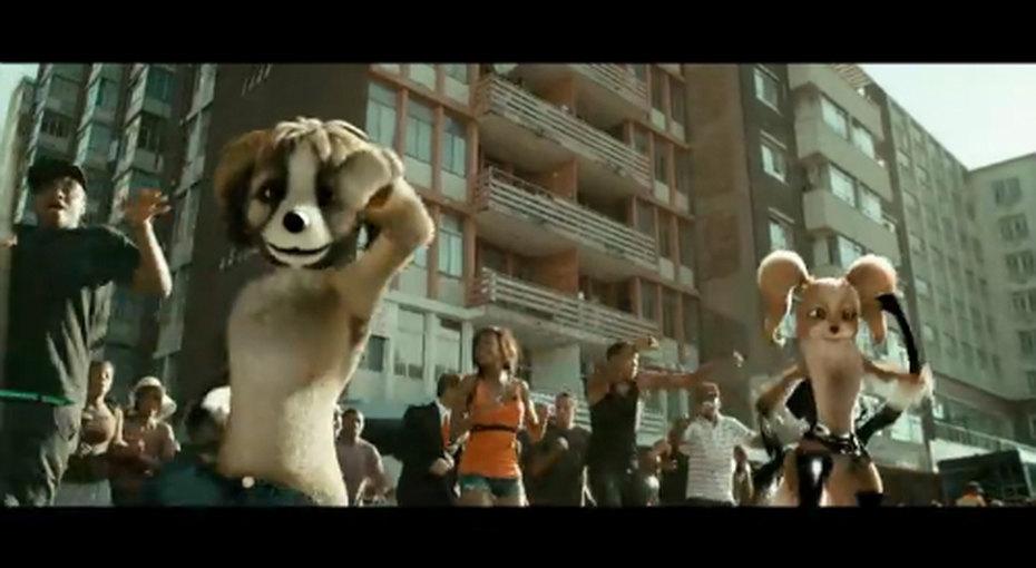 Клип, вкотором танцуют собаки Обамы иПутина