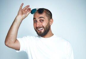 «Так выглядит счастье»: звезда Comedy Club Демис Карибидис показал фото с детьми