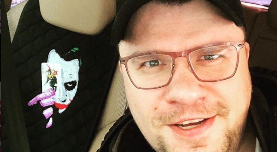 Гарик Харламов опубликовал фото молодого Павла Воли