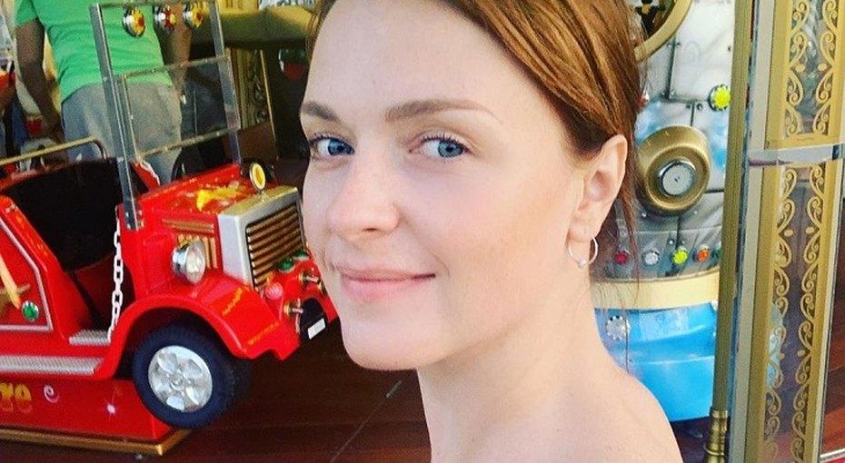 «Берегитесь, мальчишки»: Светлана Антонова выложила архивные фото дочери вее день рождения