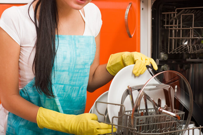 Вы все еще моете руками? Посудомоечная машина ждет вас!