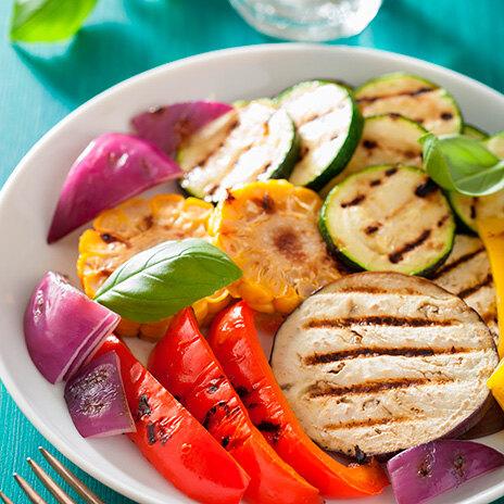 Рецепт овощного салата на мангале
