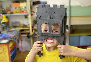 Опасно для жизни: 12 самых странных детских игрушек