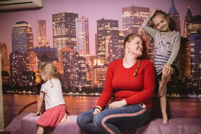Антонина и ее младшие сестры Фото: Наталья Булкина для ТД