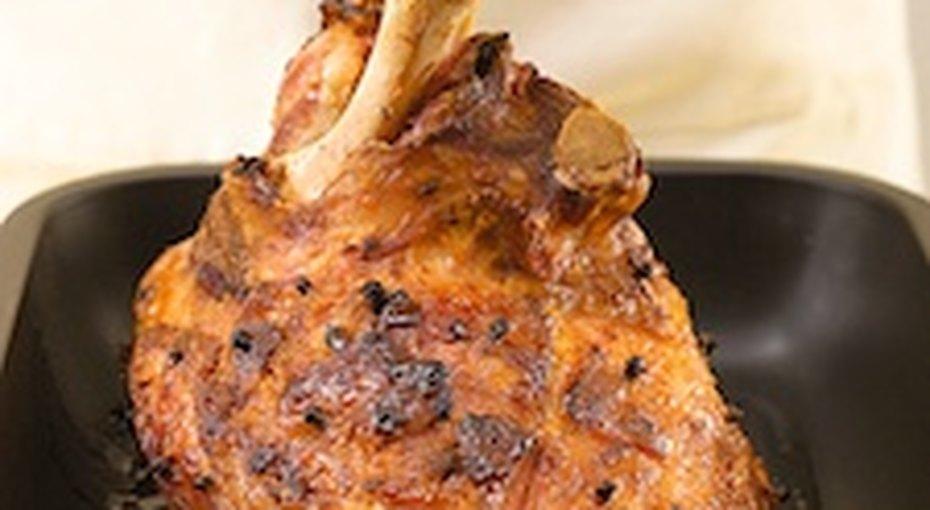 Готовимся кприему гостей - запекаем свиной окорок