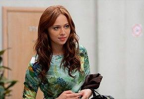 «Отбелила кривульки и сменила профессию»: Настасья Самбурская опубликовала новое фото