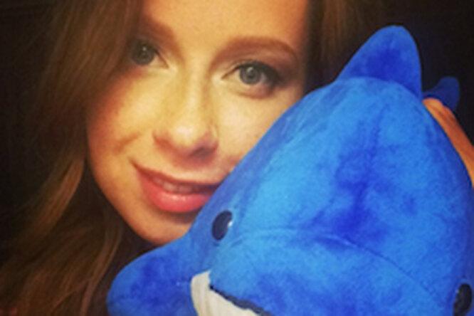 Юлии Савичевой подарили дельфина