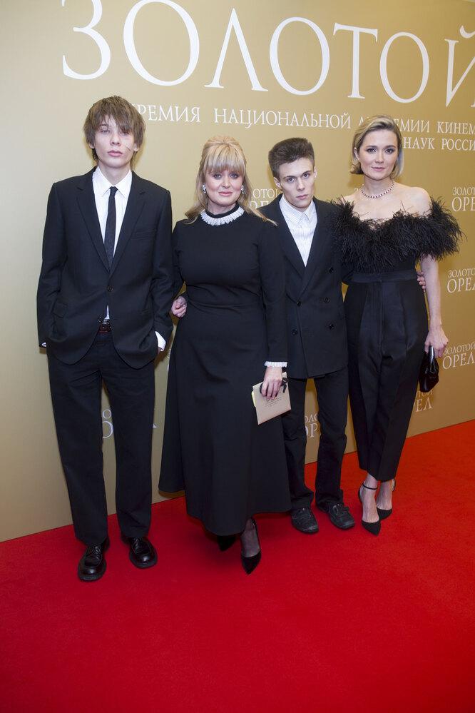 Анна Михалкова с сыном Андреем, Надежда Михалкова, Петр Кончаловский