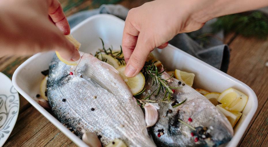 10 способов отмыть руки, чтобы они непахли луком, чесноком или рыбой