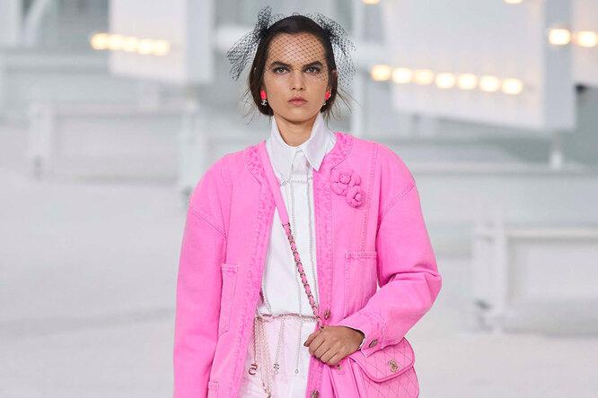 Я – неБарби! Как носить розовый цвет – 20 идей вразных стилях