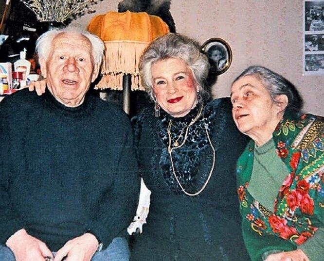 Иван Рыжов с семьей