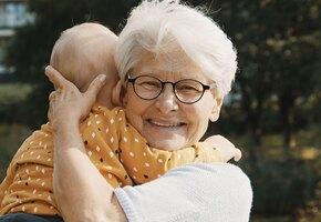 5 советов бабушек, которые не нужно слушать молодым родителям