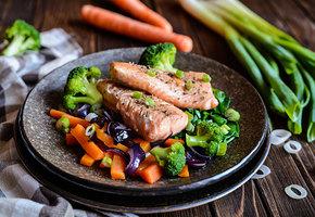 Простые рецепты с сибасом, минтаем и стейком семги