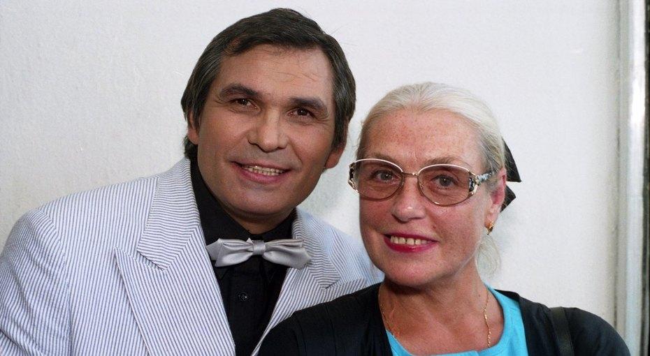 Бари Алибасов налаживает добрые отношения сдочками Лидии Федосеевой-Шукшиной