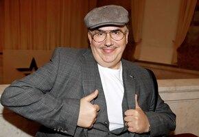 «Ты делаешь подтяжки!» Секрет молодости 69-летнего Стаса Садальского