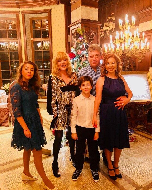 Алла Пугачева с семьей Дмитрия Галкина