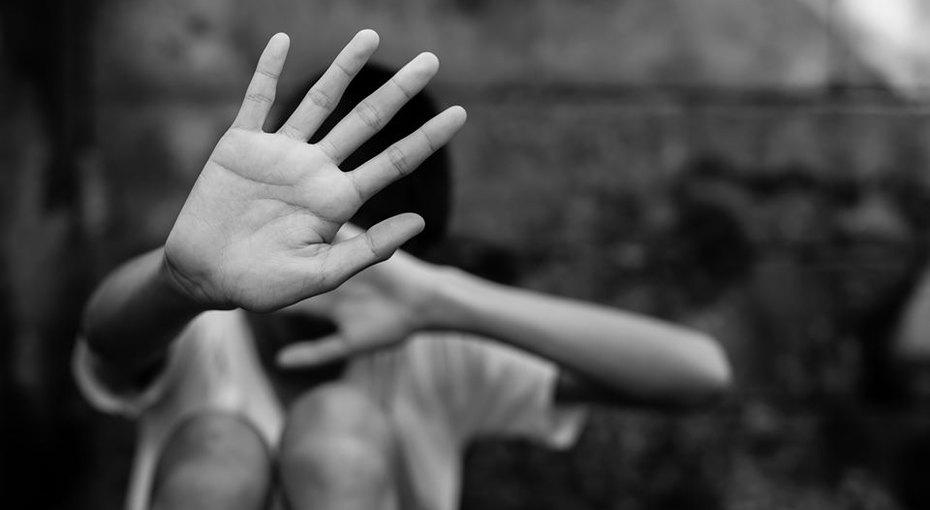 Шестнадцатилетнего школьника осудили заубийство отчима, державшего встрахе всю семью