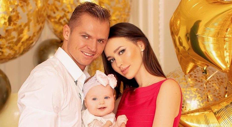«Не вижу смысла больше молчать». Тарасов иКостенко признались, что ждут второго ребенка