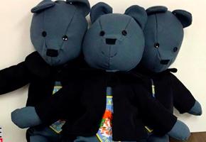 Медведи-патрульные. Жена полицейского шьет игрушки для детей, ставших жертвами преступлений