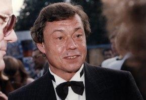 «Юнона» 25 лет назад»: Дмитрий Певцов показал архивное фото с Николаем Караченцовым и Аленой Хмельницкой