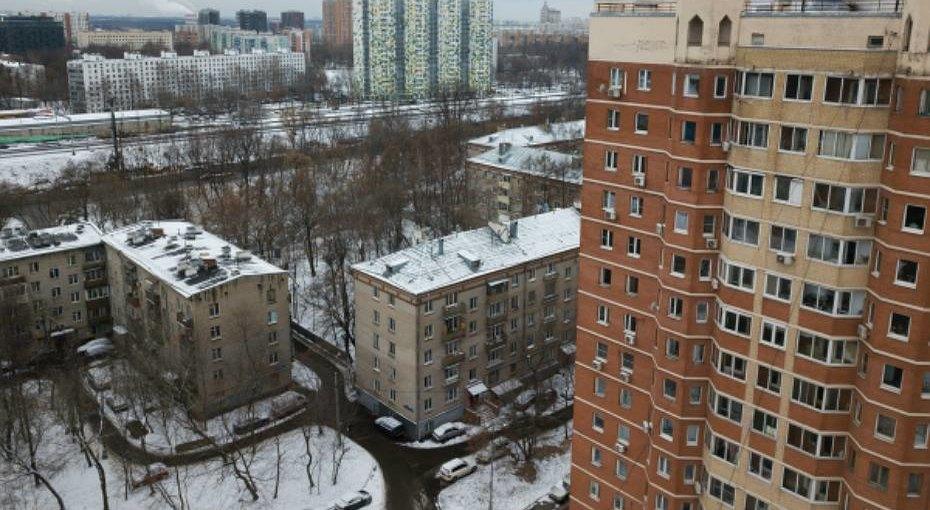 Шестилетняя девочка упала вМоскве с11-го этажа ивыжила