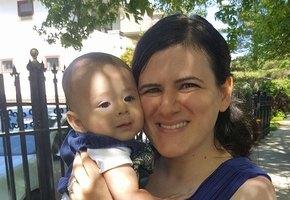 Мать 2 месяца морила новорожденного голодом, не подозревая об этом