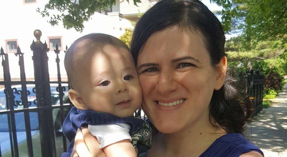Мать 2 месяца морила новорожденного голодом, неподозревая обэтом
