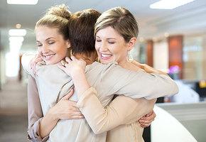Женская дружба и мужская поддержка: что мы делаем лучше