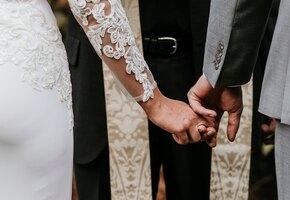 «Это хамство!» Невеста пригласила тётю на свадьбу и получила шокирующий ответ