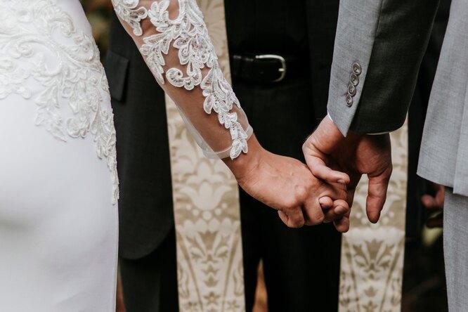 «Это хамство!» Невеста пригласила тётю насвадьбу иполучила шокирующий ответ