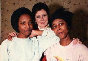 Близнецы Гиббонс: история сестёр, которые могли общаться только друг с другом
